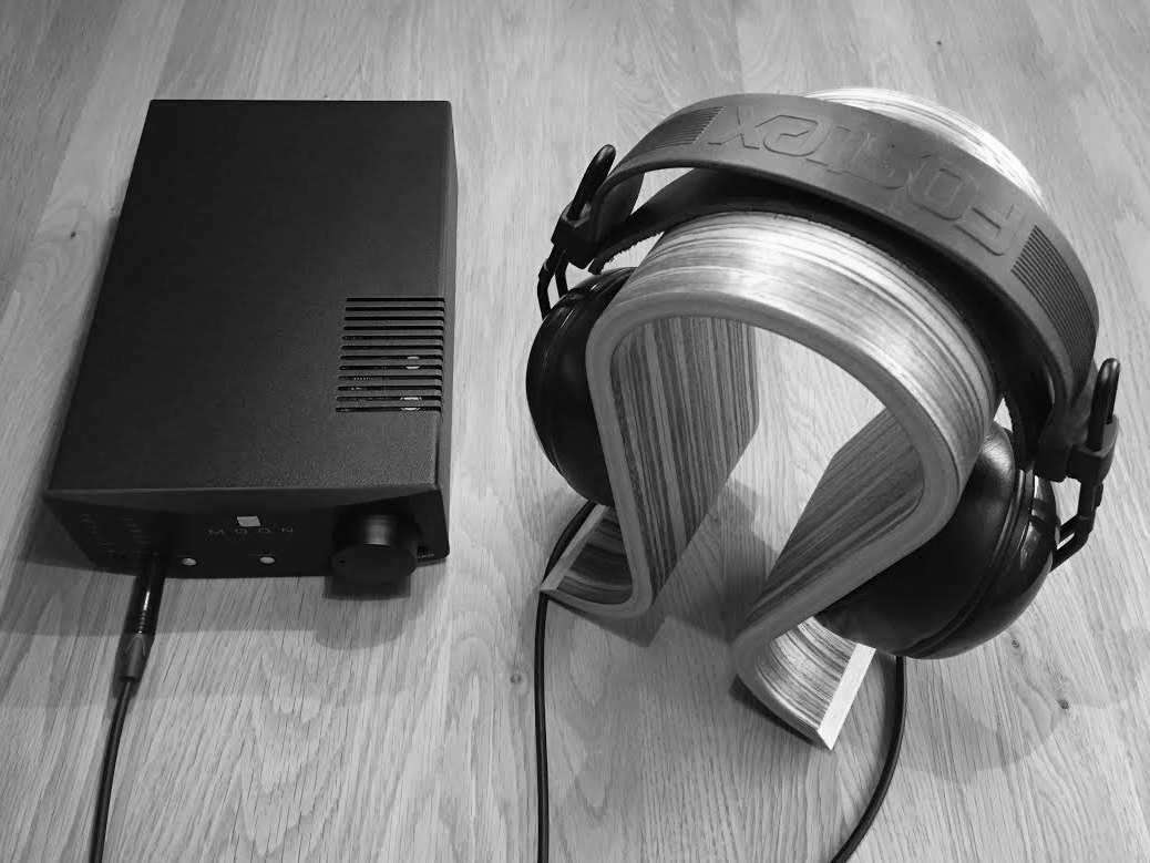 KHV Moon Neo 230 HAD mit Kopfhörer